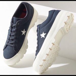 Converse One Star Lugged Sole Sneaker